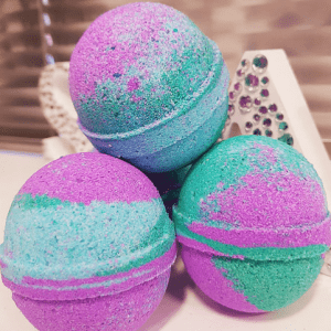 Kiss Of True Love Colour Changing Bath Bomb Rebel n Rose Halifax West Yorkshire
